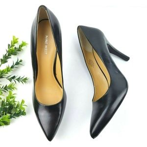 NINE WEST Gwendle Black Leather Point Toe Pump S27